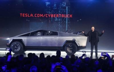 Musk gooide eigen ruiten in, maar toch piekt Tesla op de beurs: hoe kan dat en zal het blijven duren?