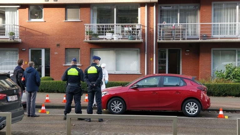 Schietpartij recht tegenover woning Bart De Wever, ook drie andere huizen beschoten