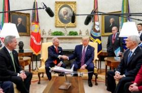 Democraat die tegen impeachment Trump stemde, loopt over naar Republikeinen