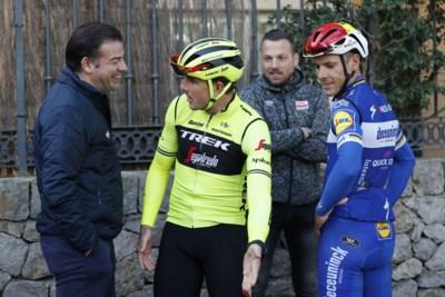 """Patrick Lefevere noemt het """"de hypocrisie van het wielrennen"""": de onzin van trainen in truitjes van je vorige werkgever"""