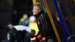 """Laszlo Bölöni mist Mbokani na puntenverlies bij STVV: """"Hoop dat hij de Gouden Schoen wint"""""""