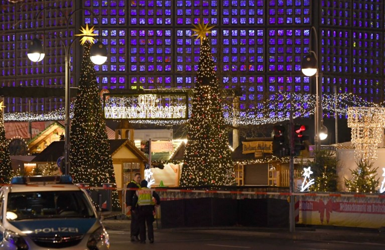 Kerstmarkt van Berlijn waar drie jaar geleden dodelijke aanslag plaatsvond, geëvacueerd