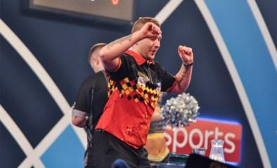 <I>Dancing</I> Dimi Van den Bergh swingt niet zonder moeite naar plaats bij laatste zestien op WK darts