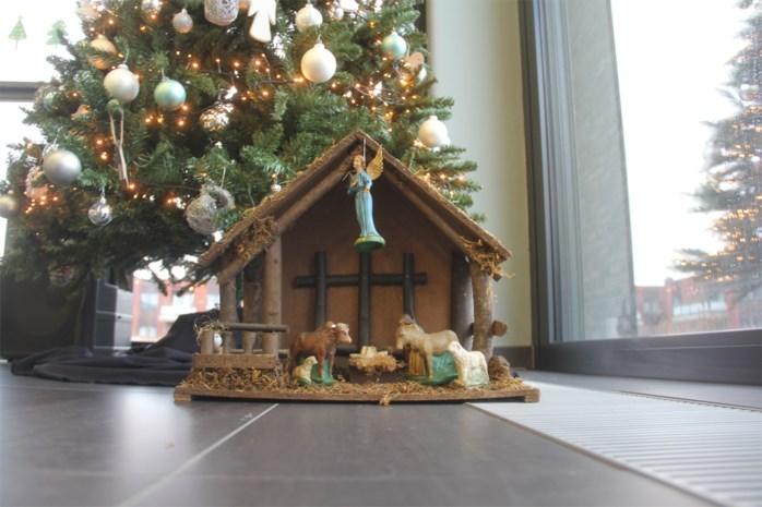 """Ophef over verwijderde kerststal in dienstencentrum: """"Nooit bezwaar geweest en nu moest hij plots weg"""""""