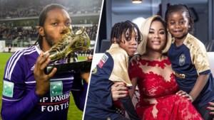 """Marlène Mbokani over de tweede jeugd van haar manlief: """"Dieu wint zijn tweede Gouden Schoen, sowieso. Het zou de kinderen zoveel plezier doen"""""""