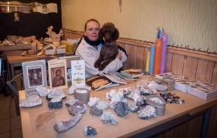 Zo sterk kan dierenliefde zijn: Cindy verkoopt collecties voor revalidatie hondje Lucky