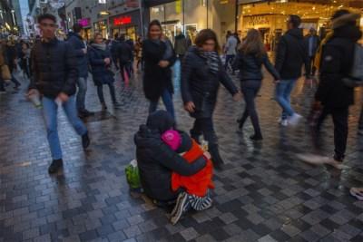 Met de bus naar België, omdat bedelen hier meer oplevert: kinderrechtencommissaris luidt alarmbel