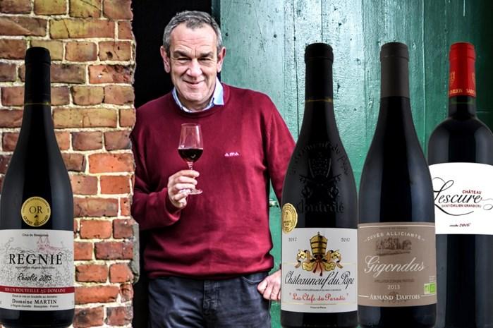 Nog op zoek naar lekkere rode wijn voor bij feestmaal? Alain Bloeykens selecteert vier Franse flessen.
