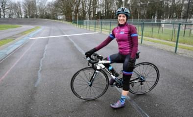 Diane fietst 1.000 km als eerbetoon aan overleden vrouwen