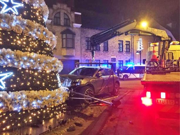 Kerstboom wijkt niet met kerst: Porsche moet worden getakeld