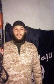 Man die terugkrabbelde voor aanslag in Maalbeek, stak Jordaanse piloot in brand