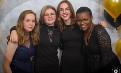 """50 medeleerlingen rouwen om op kerstavond verongelukte Janet (17): """"Veel steun en knuffels"""""""