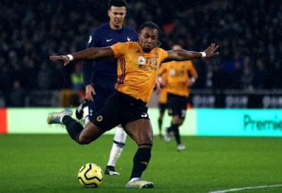 Wie is Adama Traoré, de Popeye van Wolverhampton die de titeldroom van Manchester City definitief aan diggelen schoot?