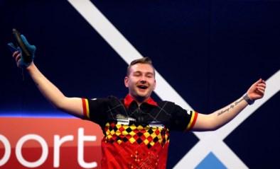 Dimitri Van den Bergh stunt op WK darts: Belg schakelt tweevoudig wereldkampioen uit na sensationele comeback