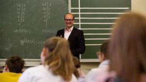 """Minister Weyts wil zesjescultuur bestrijden met herexamens, maar specialisten waarschuwen: """"Herexamens zijn geen oplossing om leerlingen beter te doen studeren"""""""