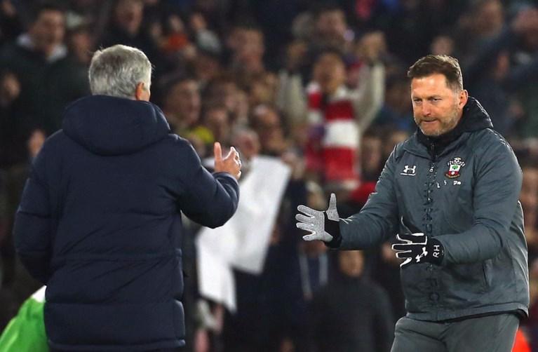 """José Mourinho krijgt geel voor spieken: """"Ik was misschien grof, maar dan wel tegenover een idioot"""""""