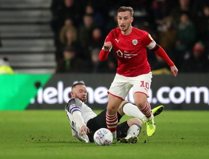 Wayne Rooney leidt Derby County naar zege bij debuut