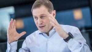 """Karel Van Eetvelt broedt op politieke beweging: """"Het moet radicaal vernieuwend zijn"""""""