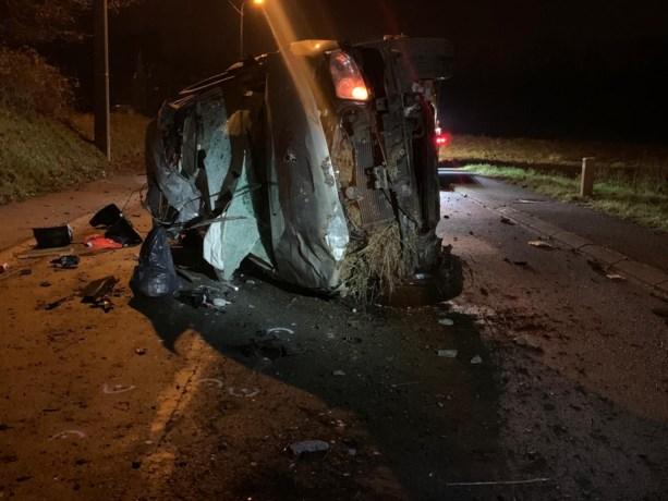 Jonge vrouw (19) verliest controle over stuur en sterft in zwaar ongeval