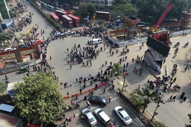 Studentenprotest in Bangladesh: studente verkracht door man toen ze samen van bus stapten