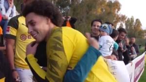 Vertederende beelden: jonge fan vraagt én krijgt een dikke knuffel van Axel Witsel