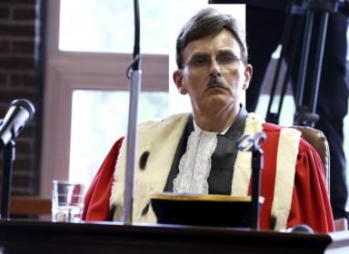 """Ex-procureur Yves Liégeois: """"Pas in de rechtbank besefte ik dat mijn eigen dochtertje aan kindermoordenaar ontsnapt was"""""""