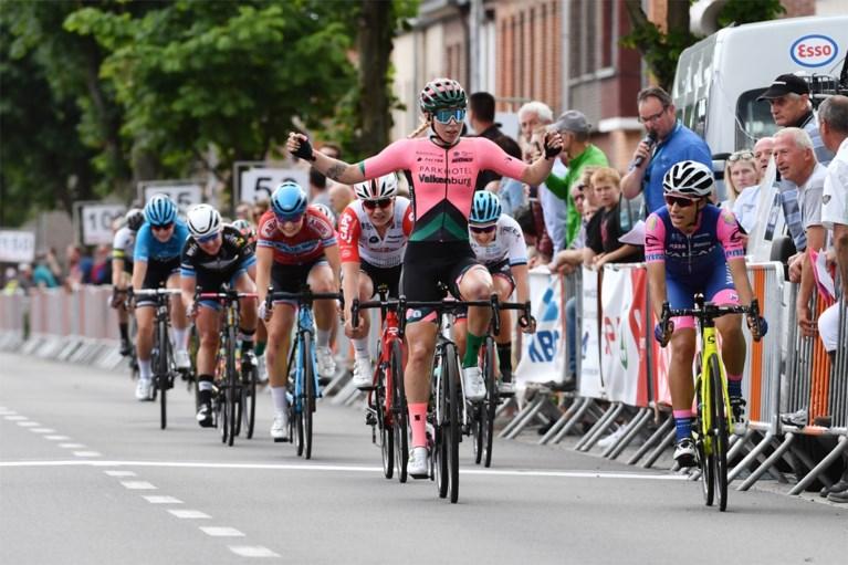 Nederlandse kampioene Lorena Wiebes verdwijnt dan toch niet uit het peloton: renster krijgt (deels) haar zin in oorlog met ploeg