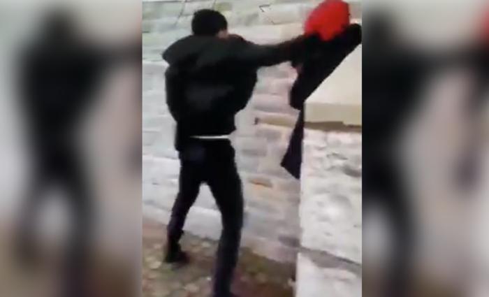 """Jongen (18) na school achtervolgd en in elkaar geslagen: """"We dienden een klacht in, maar vrezen represailles"""""""