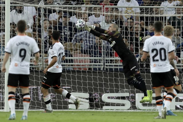 Doelman gaat de mist in: Toni Kroos scoort olympisch doelpunt voor Real Madrid