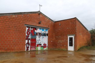 Eerste 26 asielzoekers aangekomen in pop-up opvangcentrum Bekkevoort