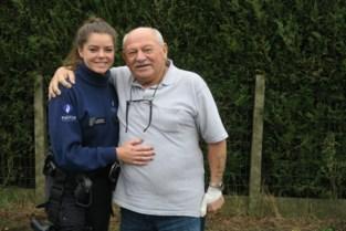 """Vik (72) ontmoet politie-inspecteur Stephanie die hem het leven redde: """"Wie nog één verkeerd woord over de 'polies' zegt, krijgt het met mij aan de stok"""""""