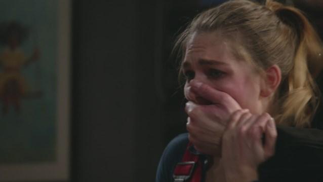 """Personage bekent moord in 'Thuis': """"Door uw gezever is er een onschuldige vrouw gestorven"""""""