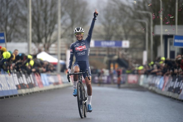 Piepjonge Alvarado wint titanenstrijd op Nederlands kampioenschap, Vos zegt af voor WK