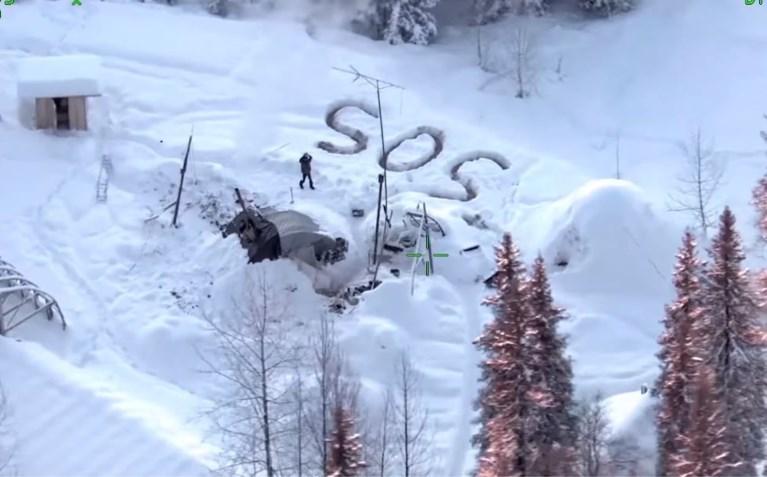 Man steekt huisje per ongeluk in brand en overleeft daarna twintig dagen in zware vrieskou in Alaska