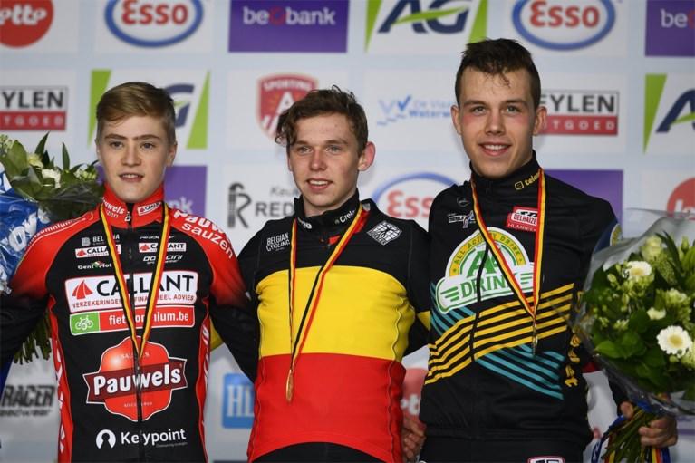 Ongeslagen Aaron Dockx pakt Belgische titel bij tweedejaars nieuwelingen