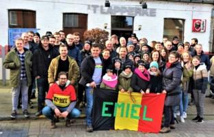 Supporters massaal de bus op om Emiel Verstrynge (17) aan te moedigen (én met resultaat)