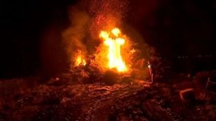 VIDEO. 24ste kerstboomverbranding in Wommersom blijft populair, ondanks kritiek