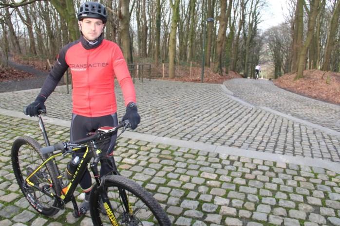 Tien jaar geleden overwon Robbe (27) kanker, nu wil hij honderd keer het hoogste punt van West-Vlaanderen beklimmen voor het goede doel