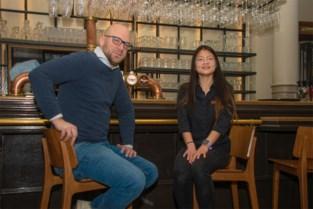 26-jarige serveerster hoopt nog lang haar job te kunnen doen, ook al denken klanten soms dat ze dronken is