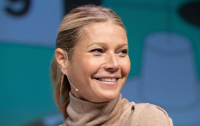 """Gwyneth Paltrow brengt peperdure kaars """"die naar haar vagina ruikt"""" op de markt en daar is blijkbaar véél vraag naar"""
