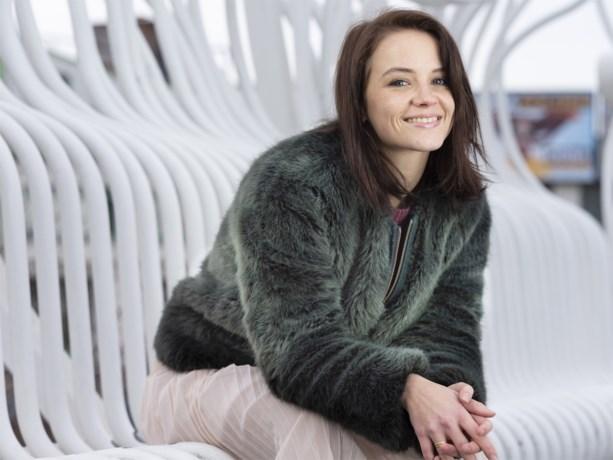 Relatie van actrice Lynn Van Royen staat op springen: moeilijkheden met vader van haar twee kinderen