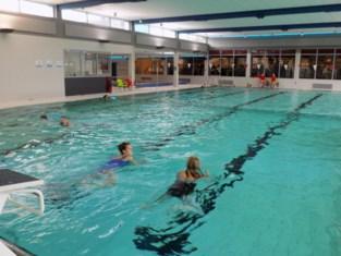 Gemeentebestuur geeft inwoners korting om te zwemmen