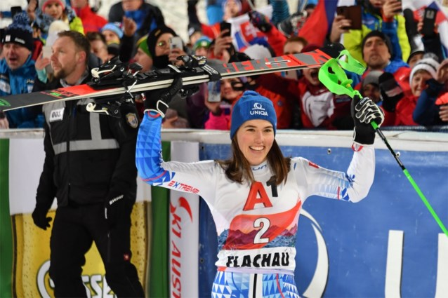 Slovaakse Vlhova slalomt in Flachau naar WB-zege