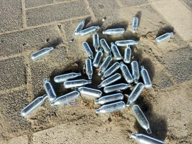 2.750 lachgascapsules en 9 heliumflessen in één voertuig aangetroffen bij BOB-controles