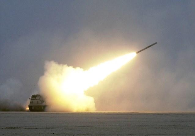 Meerdere raketten neergekomen nabij Iraakse basis met Amerikaanse troepen: twee Irakezen gewond