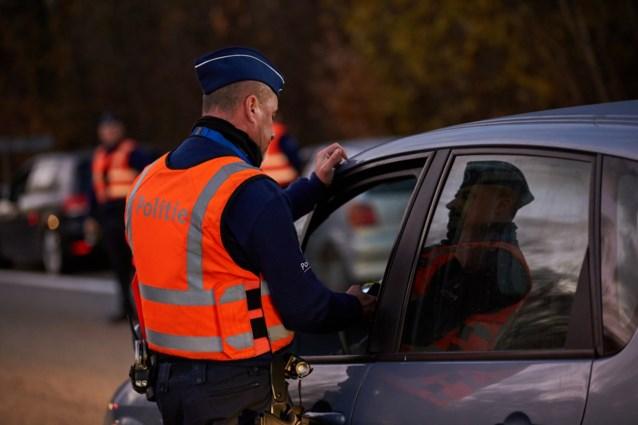 Bestuurder probeert te vluchten bij politiecontrole en veroorzaakt ongeval