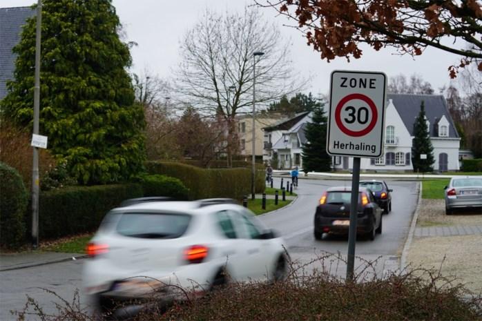 Naam van Gentse straat wordt té letterlijk genomen: hier rijdt één bestuurder op de twee te snel