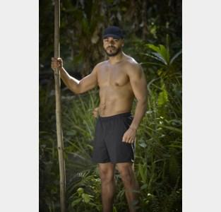"""Niels (29) beleeft zijn droom op een tropisch eiland: """"Ik kan geen kokosnoot meer zien, zelfs een Bounty is me nu al te veel"""""""