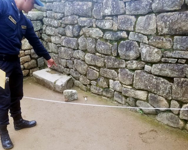 """Peru wil toeristen land uitzetten na beschadigen Machu Picchu: """"Een van hen ontlastte zich op archeologische site"""""""