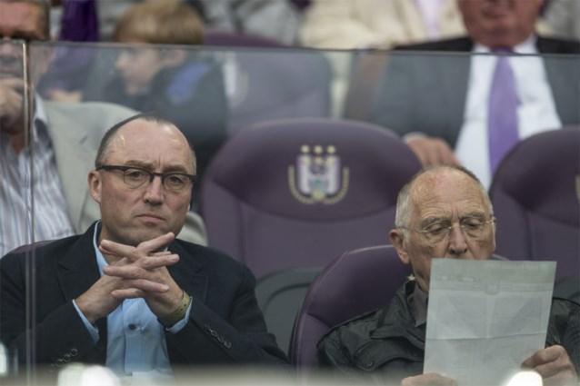 De dubbele pet van Wouter Vandenhaute: adviseur bij Anderlecht en een eigen makelaarsbureau, mag dat eigenlijk wel?